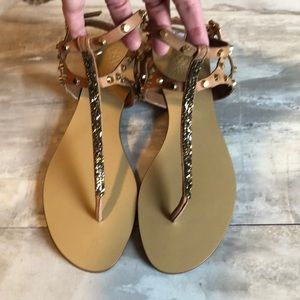 New! Vince Camuto Gold stud sandals -9.5